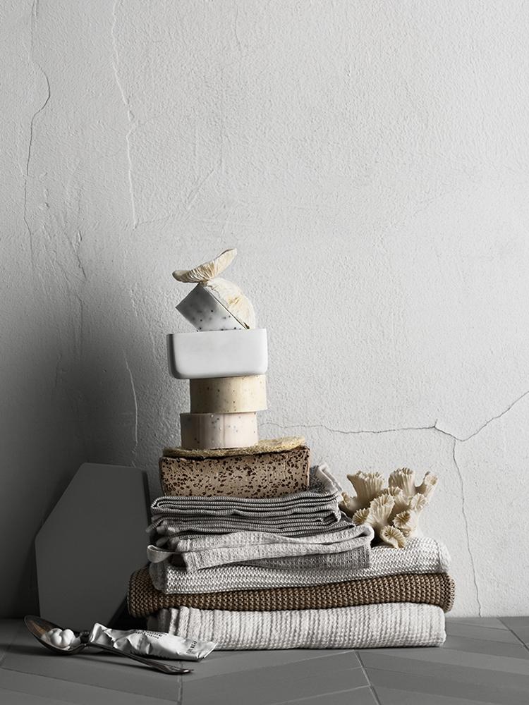 lotta-agaton-bathroom-styling-kristofer-johnsson-02