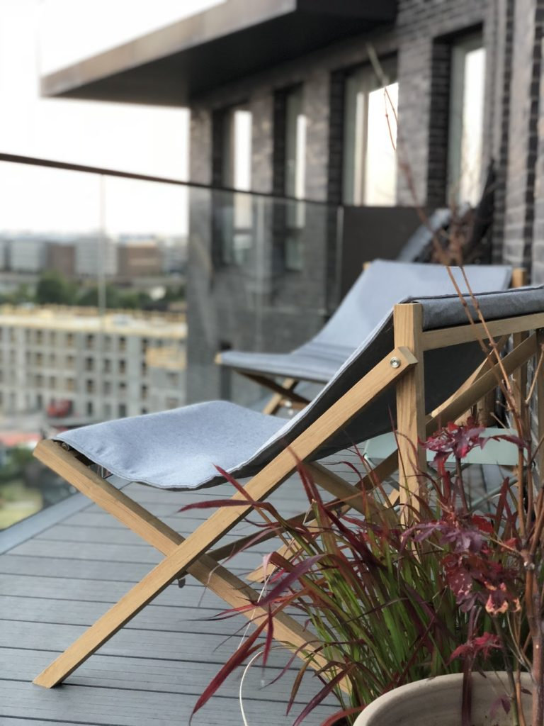 Foldable outdoor furniture