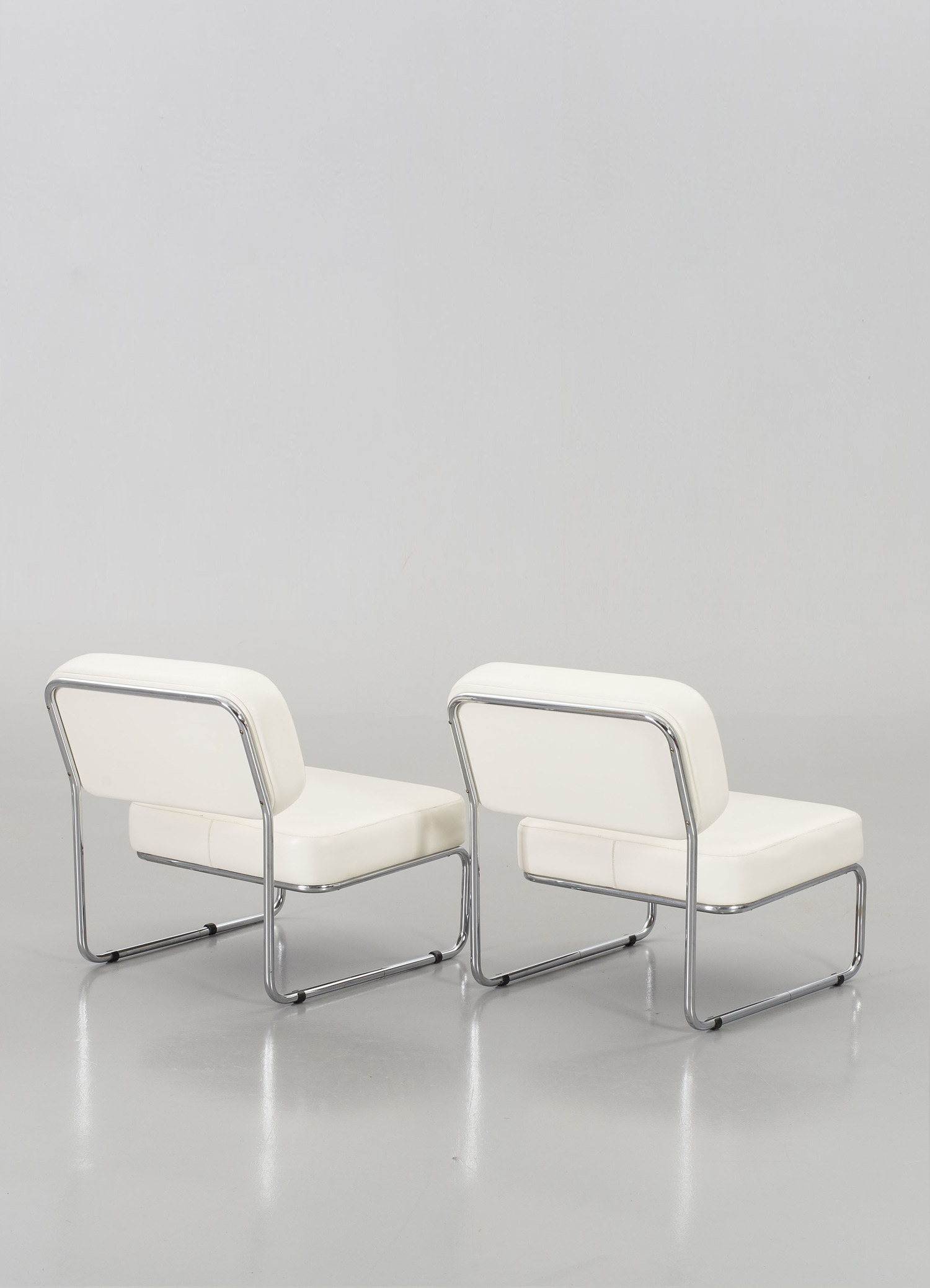 Awesome This Weeks Auction Italian White Leather Chairs September Ibusinesslaw Wood Chair Design Ideas Ibusinesslaworg